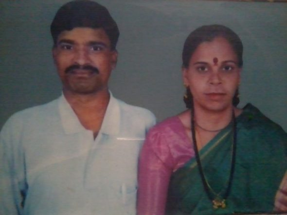 Lance-Havaldar-Shankarappa-Koti-with-his-wife-Uma-Koti-1024x768